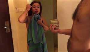 dickontrip-18-12-03-sensual-massage-czech.jpg