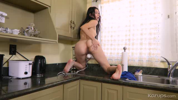 karupsha-18-11-26-violet-vixen-a-cup-in-the-kitchen.png