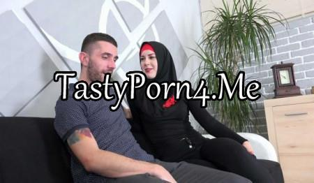 Sex With Muslims – Charli Red