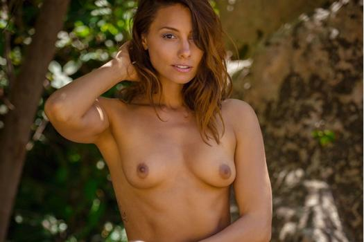 playboyplus-18-12-10-anetta-keys-barely-hidden.jpg