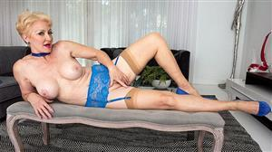 pornmegaload-18-12-11-getting-to-know-seka-black.jpg