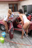 Peneloppe-Ferre-%26-Zafira-Girls-Gone-Wet-%26-Wild-r6tb644abe.jpg