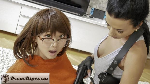sugarcookie-18-09-14-lara-croft-meets-velma-dinkley.jpg