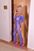 Nathaly-Cherie-Barefoot-Cum-Shower-56tc5cqqpl.jpg