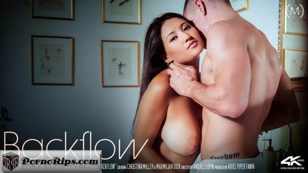 sexart-18-12-14-cristina-miller-backflow.jpg