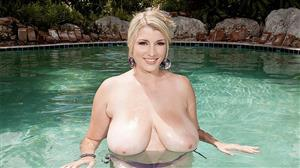pornmegaload-18-12-18-melissa-manning-bikini-bust-out.jpg