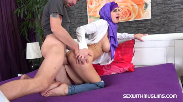 sexwithmuslims-18-11-30-nathaly-cherie-czech.png